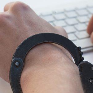 Tastatur, Hände, Handschellen