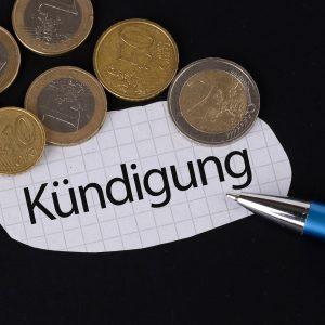 Kündigung, Geld, Kugelschreiber, das Konzept der Kündigung
