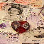 Angeblicher Jackpot-Gewinn: Britischer Betrüger muss ins Gefängnis