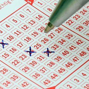 Lottoschein, Lotto Tipp, Lottozahlen ankreuzen