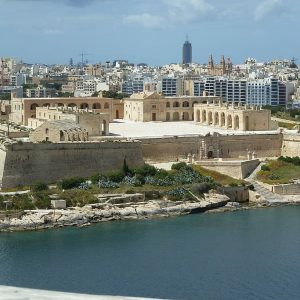 Malta Valetta Stadt Überblick vom Meer aus