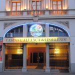 Glücksspiel in Spanien: Wiedereröffnung von Casinos und Wettbüros genehmigt