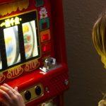 Niederländische Glücksspielaufsicht mahnt Kommunen zum Jugendschutz