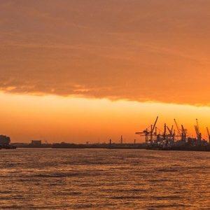 Hamburg im Sonnenuntergang