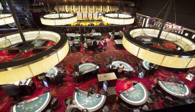 Casino, Spieltische, Lampen