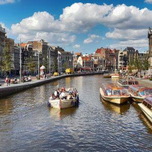 Amsterdam Kanal und Häuser