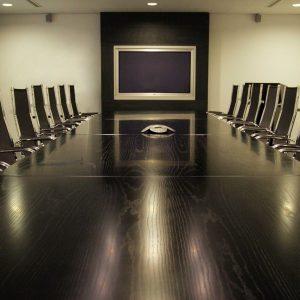 Tisch, Stühle, Tafel, Konferenzraum