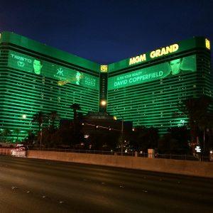 Las Vegas MGM Resorts by night mit grünem Licht
