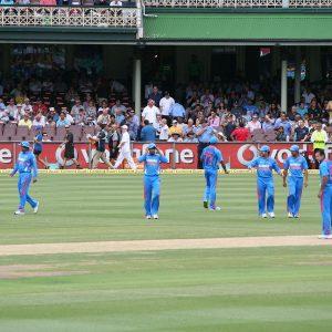Indisches Cricket Team auf dem Rasen