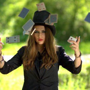 Frau mit Hut, Spielkarten