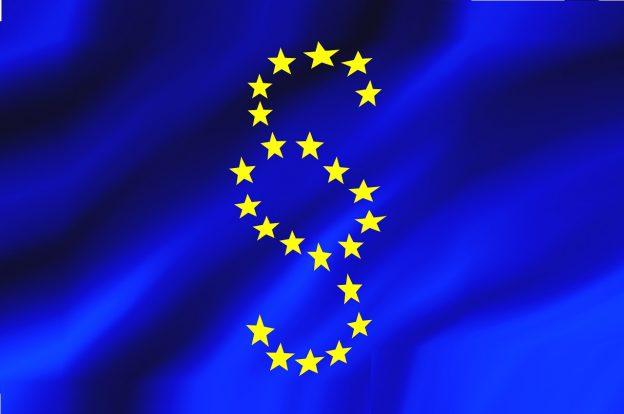 EU Flagge mit Sternen als Paragraphenzeichen
