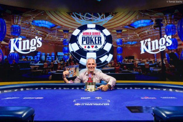 Damian Salas, Pokertisch
