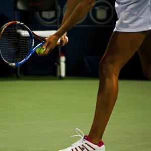 Tennisspielerin Tennisball Tennisschläger