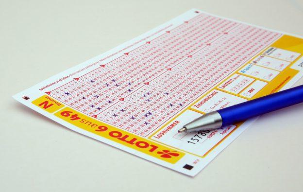 Lottoschein Stift