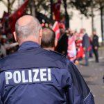 Bochumer Polizei löst Kneipen-Pokerrunde hinter Geheimtür auf
