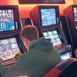 Urteil: Spielhalle zur Lohnfortzahlung in der Pandemie verpflichtet