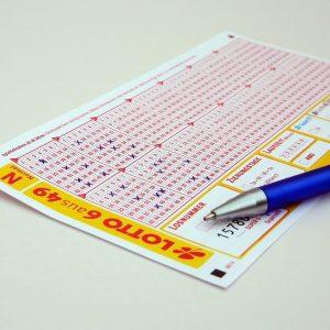Stift auf Lottoschein