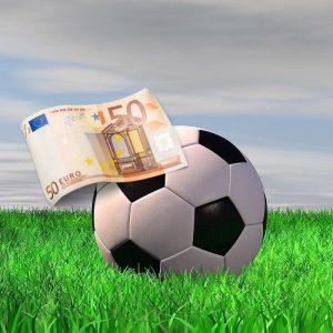 Ball, Rasen, Geldschein