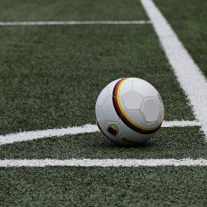 Fußball mit Deutschland-Flagge