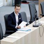 Endspurt Causa Casinos: Finanzminister Blümel schweigt