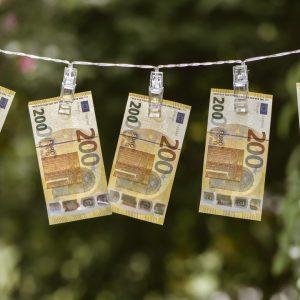 Euro Geldscheine Wäscheleine
