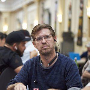 Layne Flack am Pokertisch