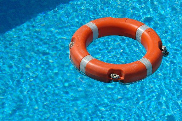 Schwimmbad, Rettungsring