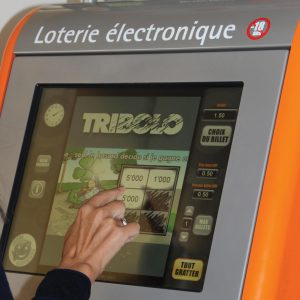 Loterie électronique Loterie Romande VLT Lotto-Terminal Bildschirm Hand