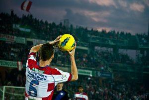 Granada CF, Fußballer mit Ball in der Hand