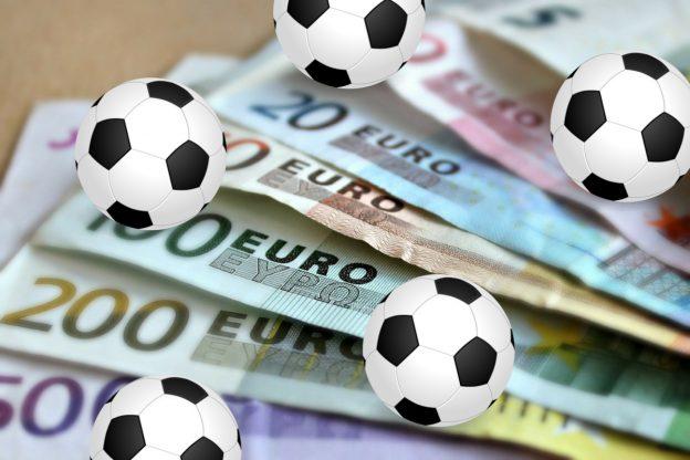 Euro Geldscheine Fußbälle